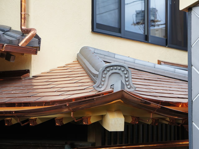 千葉県の銅箔(どうはく)シングル葺+本いぶしのし積棟